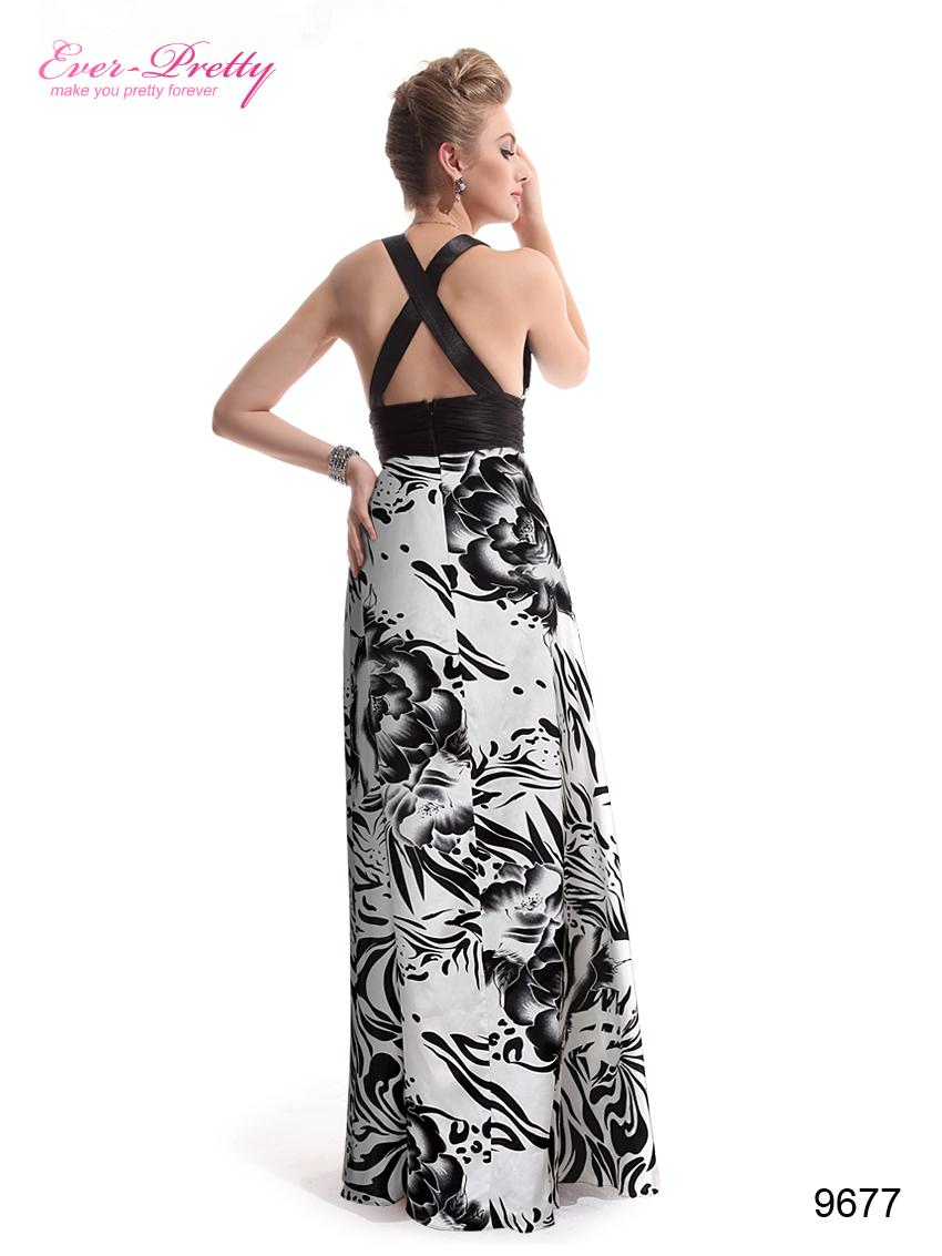 Платье с вырезом