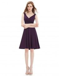 Эластичное пурпурное платье без рукавов