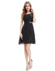 Черное короткое платье с вышивкой и пайетками