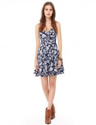 Изящное синее шифоновое платье с принтом и открытой спиной