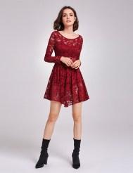 Бордовое кружевное платье, удлиненное спереди