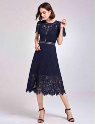 Тёмно-синее кружевное платье с прозрачной вставкой на талии