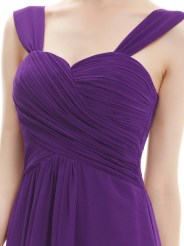 Элегантное фиолетовое платье с оборкам