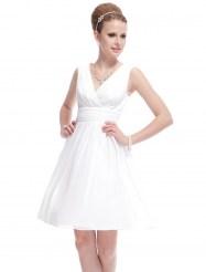 Легкое белое платье с V-образным вырезом