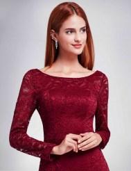 Бордовое кружевное платье с разрезом и рукавами