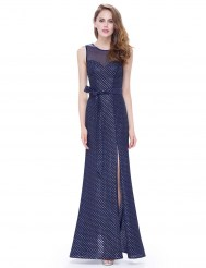 Тёмно-синее платье с поясом, расшитое золотистыми нитями