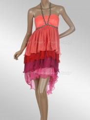 Эффектное яркое платье с завязками на шее