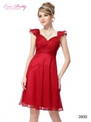 Красное  платье с оборками на плечах