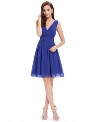 Легкое синее платье с V-образным вырезом