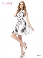 Белое повседневное платье в черный горошек