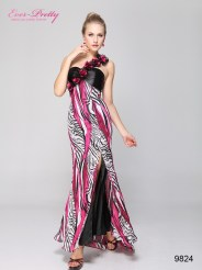Вечернее платье с цветами и шлейфом
