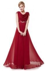 Эффектное бордовое платье с кружевом